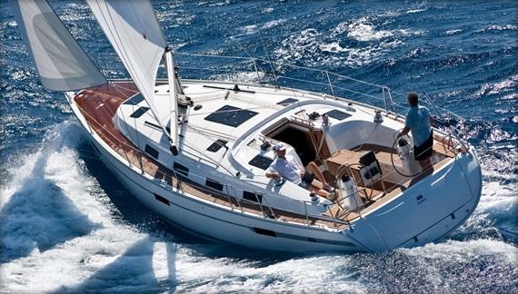 Bavaria Yacht undersail