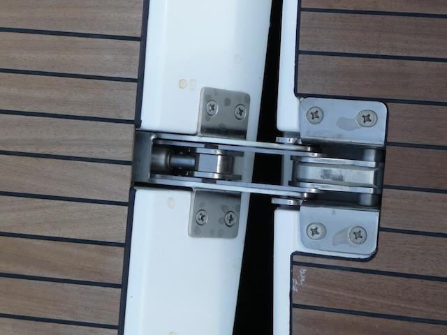 Bavaria Yachts transom hinge