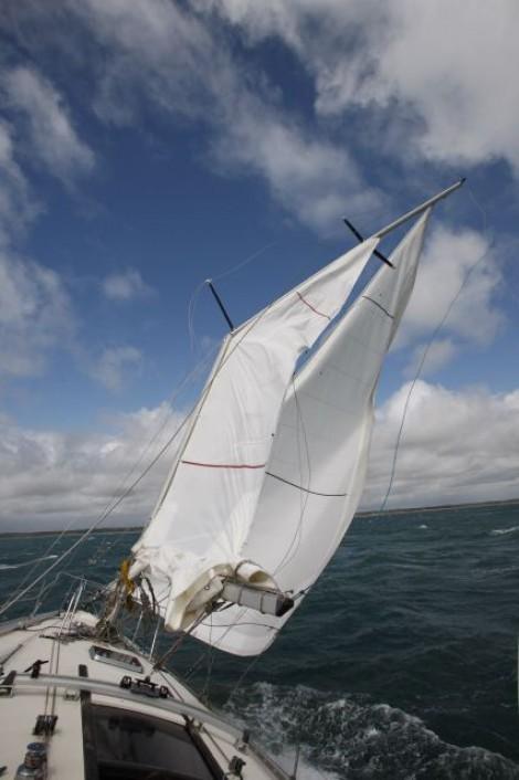 dismasting a sailboat