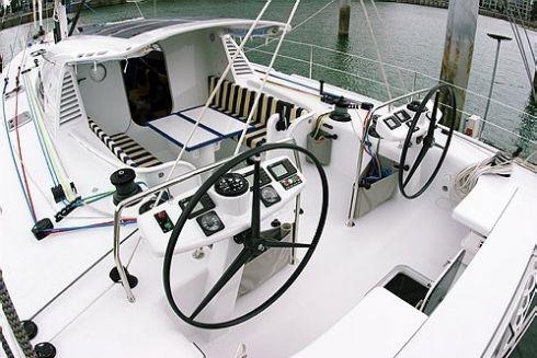Marten 65 cockpit
