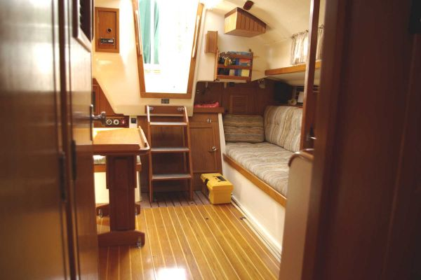 Nonsuch 30 interior