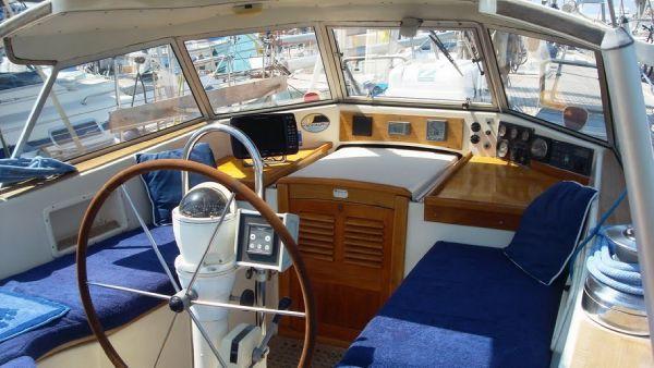 HR42E cockpit