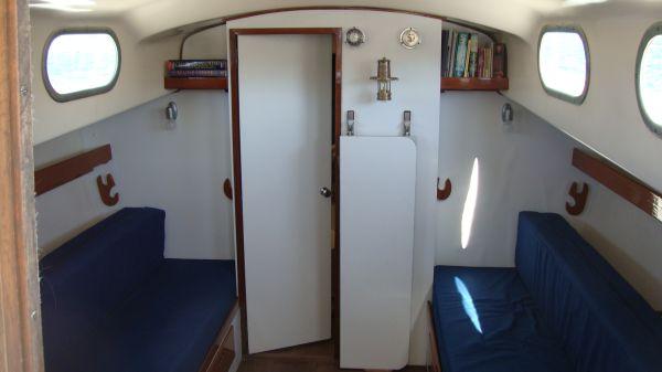 Alberg 35 interior