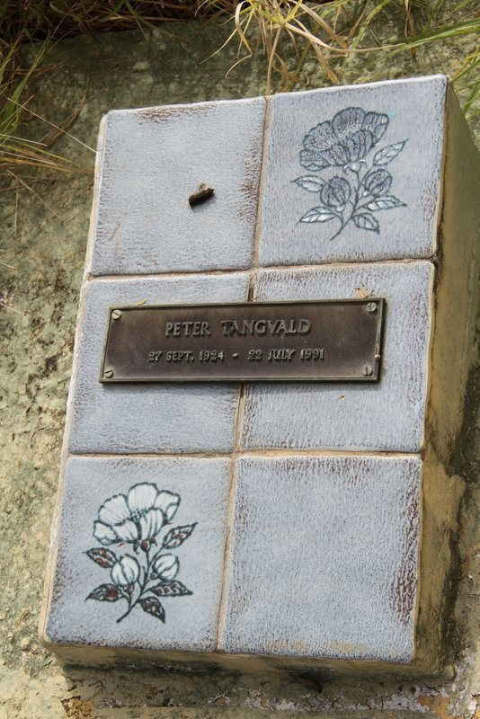 Peter Tangvald grave