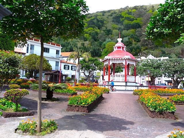 Velas garden