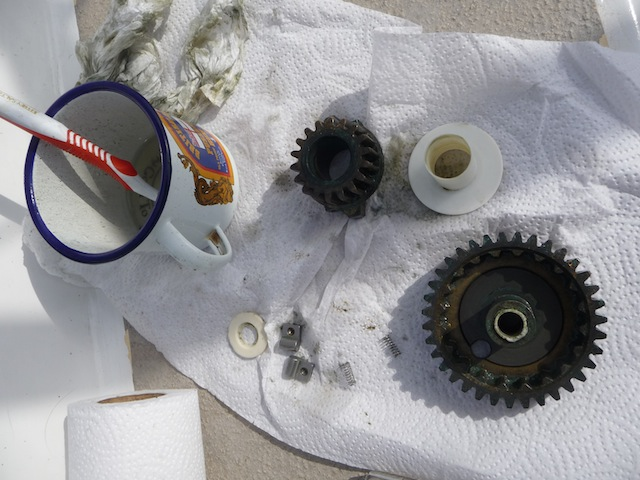 Winch gear cleaning