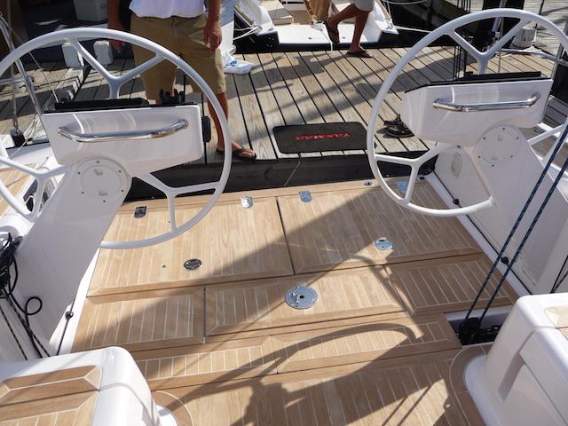 Salona cockpit