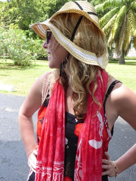 Eva's hat