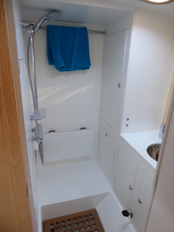 Shower cabin