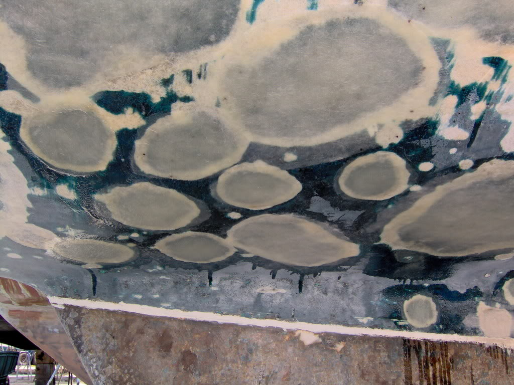 Fiberglass hull with blisters
