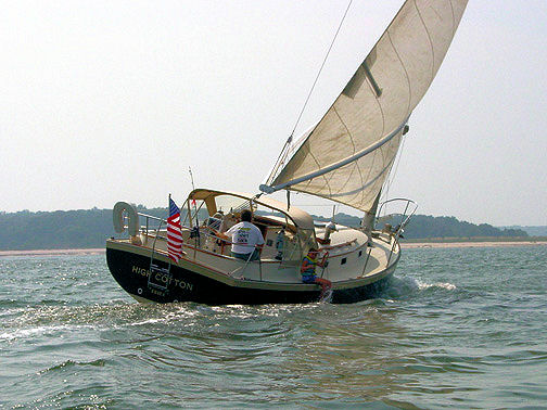 Nonsuch 30 under sail