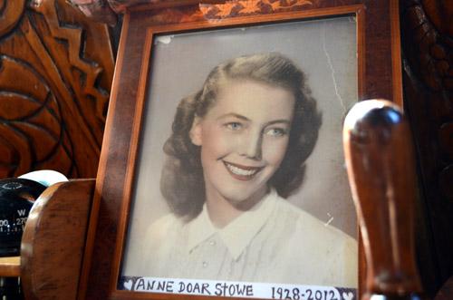 Reid Stowe's mom, RIP