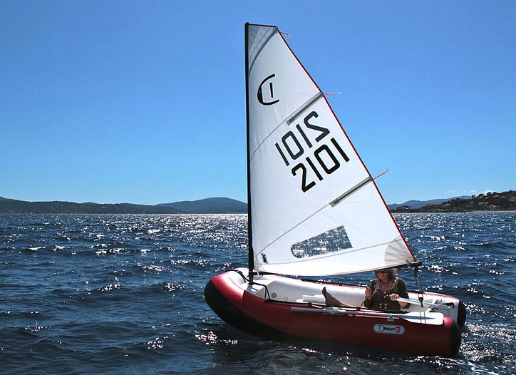 DinghyGo under sail